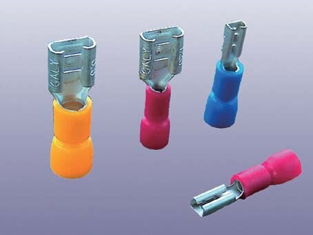 INSULATED FEMALE DISCONNECTORS